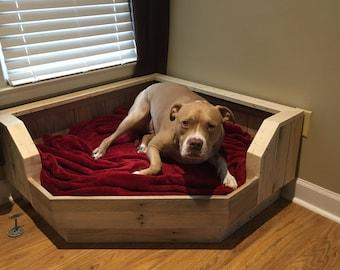 Pallet Dog Bed / Corner Fit / Handcrafted Dog Bed / Corner Dog Bed