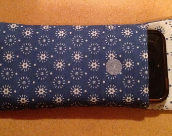 Padded mobile phone cover