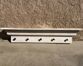 Wall Shelf with knobs