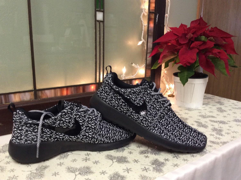 cmqqo Custom Nike Roshe Run Yeezy inspired black by TagzCustomkickz