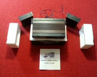 Vintage Radio Regency Compact Radio Stereo Model US 2800