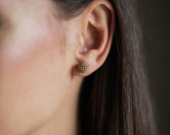 Stud earrings. Gold stud earrings. Beaded stud earrings. Small stud earrings. Everyday earrings. Round earrings. Seed bead earrings.