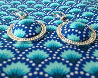 pair of earrings blue jungle