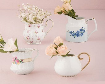 Porcelain milk jug set