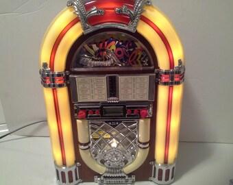 Lighted working jukebox radio