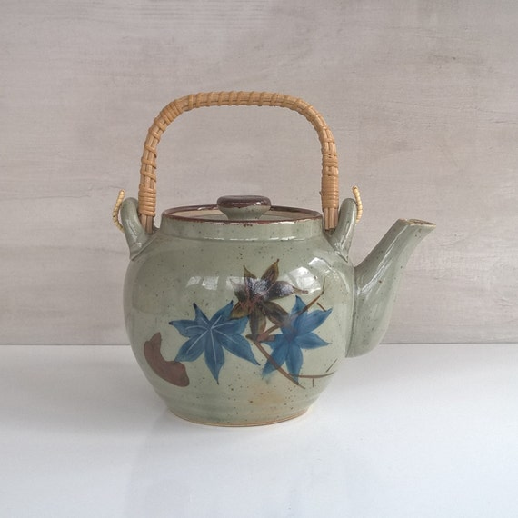 Japanese teapot with maple leaves and built in strainer - Japanese teapot with strainer ...