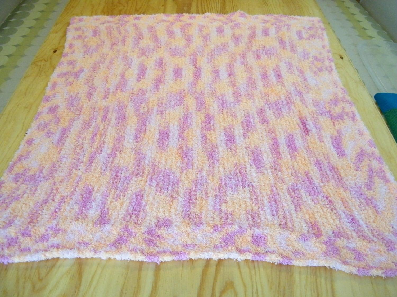 Crib/Floor blanket. hand knit baby blanket. gift for babies.