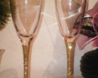 2 Glitter Champagne Flutes Engraved