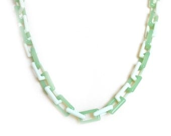 1960s Vintage Necklace | Neon Green Chain Necklace | FREE DELIVERY