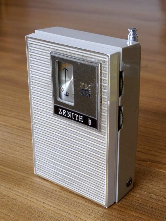 Rare Zenith R26l Am Fm Transistor Radio 1960s Pocket
