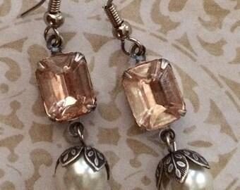 Vintage Rosaline pink glass earrings, pink earrings, pearl earrings, silver earrings, vintage earrings, drop earrings, rhinestone earrings