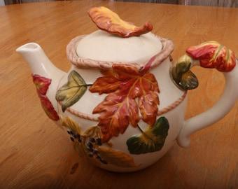 Vintage Leaf Porcelain Teapot