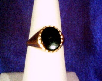 Gold and onyx dress ring b153