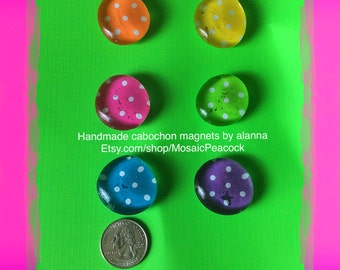 Assorted polka dot decorative glass cabochon refrigerator magnets using neodymium nickel plated magnets