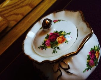 REDUCED. Royal Albert Trinket / Dorothy Pot. Bone China gold rim.