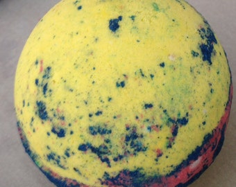 Hurricane Bath Bomb/Bourbon Vanilla Scent/Blue Yellow Pink/Lush