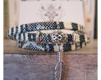 Bracelet ethnic Ribbon and beads, feather