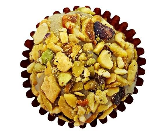 12 Pistachio Chocolate Ball: Brigadeiro – Gourmet Brazilian Truffle ...