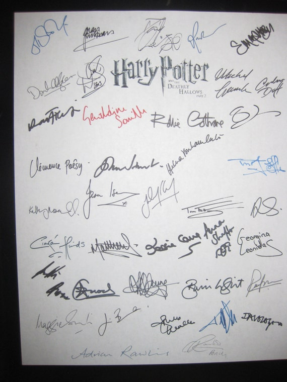 Harry Potter and the Deathly Hallows part 2 signed Film Movie Script Screenplay x39 Autographs Daniel Radcliffe Emma Watson Rupert Grint