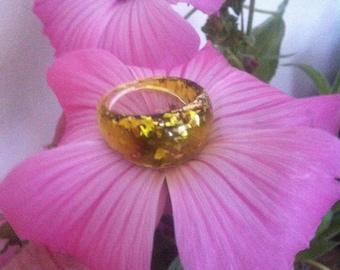 Golden glitter resin ring