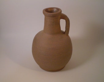 Ceramic bottle (replica)