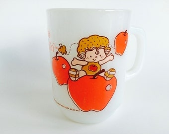 Vintage Apple Dumplin' Milk Glass Strawberry Shortcake Mug