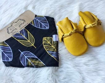 Yellow feather giftset