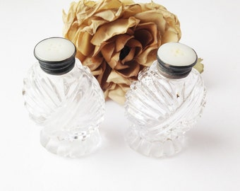 Glass Button Top Salt and Pepper Shakers / Vintage Button Top Salt and Pepper Shakers / Fine Dining Salt and Pepper Shakers / Glass shakers
