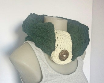 Crochet Forest Green Cowl, Crocheted Cowl, Cozy Green Scarf, Infinity Scarf, Green Scarves, Cowls with Button,Ladies Neck Warmers,Warm Cowls