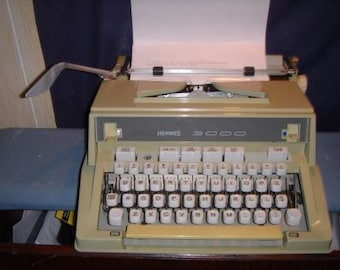 VINTAGE HERMES 3000 Typewriter w/Case French-made for Swiss (1960s?) O071616
