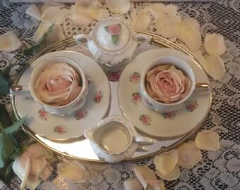 Pink roses tea set