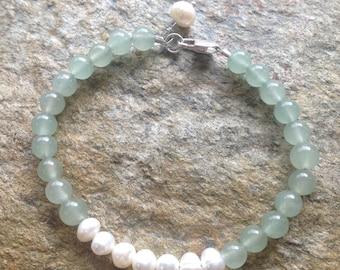 Fresh Water Pearl and Green Aventurine Bracelet