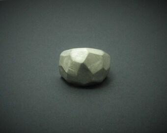 Ring rock