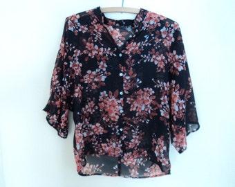 Nice black blouse with flowers (vintage 90