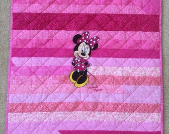 Minnie Mouse Baby Girl Quilt