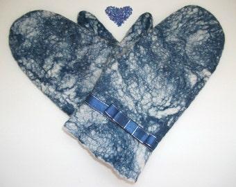 Handmade White - Blue Felt Mittens. Eco-friendly felted mittens.