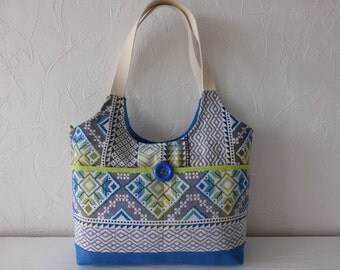 Handbag in multicolored jacquard of ethnic inspired fabrics