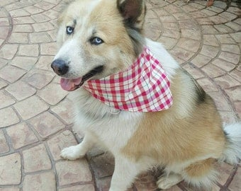 Dogs bandanas made from local plaid textile.( pink/white)