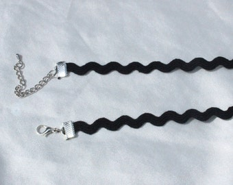 The Black Wave Choker