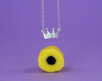 Queen of Hearts Crown Necklace
