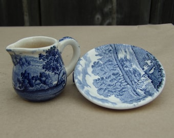 Vintage Royal Worcester England Mini Milk Jug whit Saucer Blue & White Collectibles