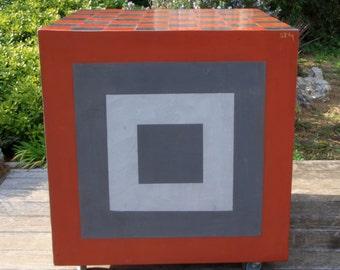 Chessboard / eat-standing in concrete on wheels