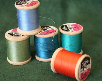Vintage Sewing Thread on Wooden Spools, Wood Spools for Crafts