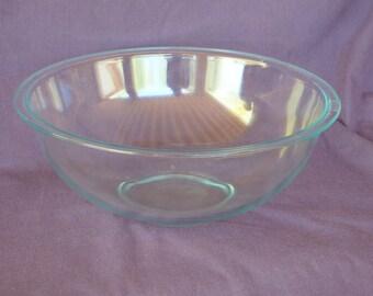 Clear Pyrex Bowl