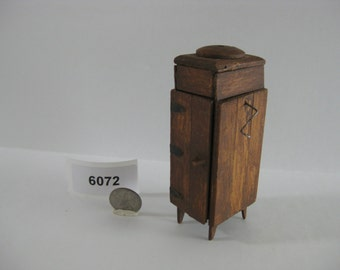Dollhouse Furniture - Victrola 6072