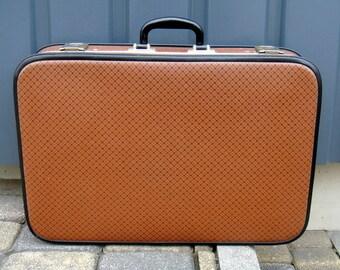Soviet suitcase brown original label Extra large Soviet briefcase Travel Case Luggage bag sturdy cardboard excellent Made in USSR 1984 label