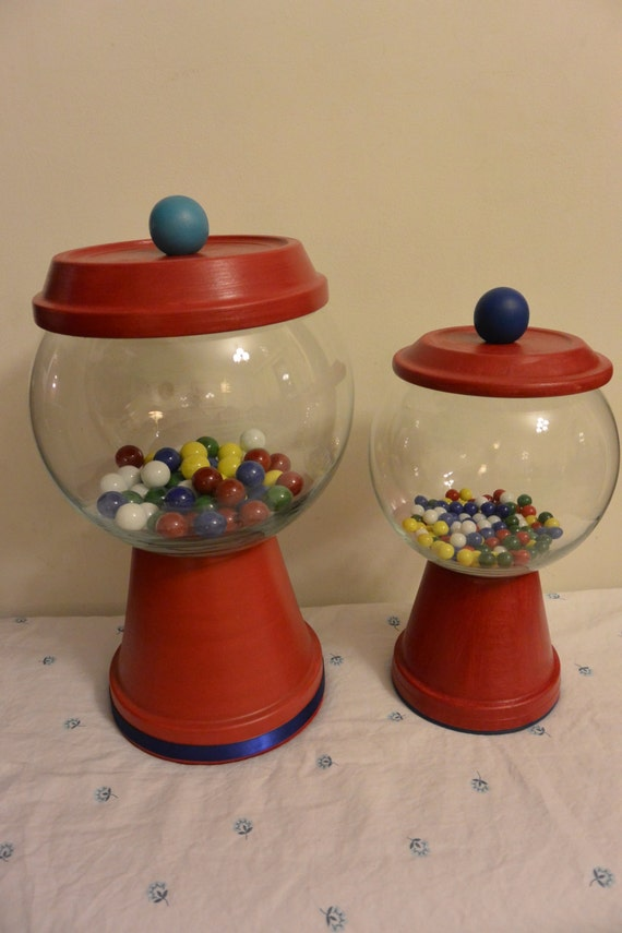 Faux gumball machine aquarium terrarium by hautecritteur for Gumball fish tank