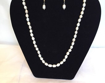 Vanilla Petite Freshwater Pearl Set/Necklace and Earrings/Pearl/Beaded