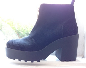 Size 7 brand new suede (DIVIDED) heel ankle boots