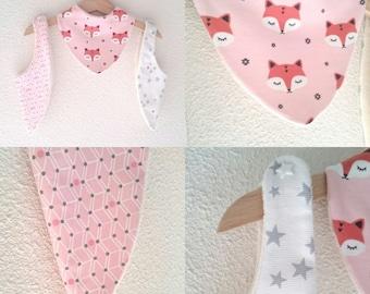 Box 3 bibs bandana cotton baby sponge organic pink and white tones